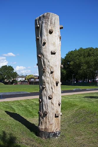 playground log climber
