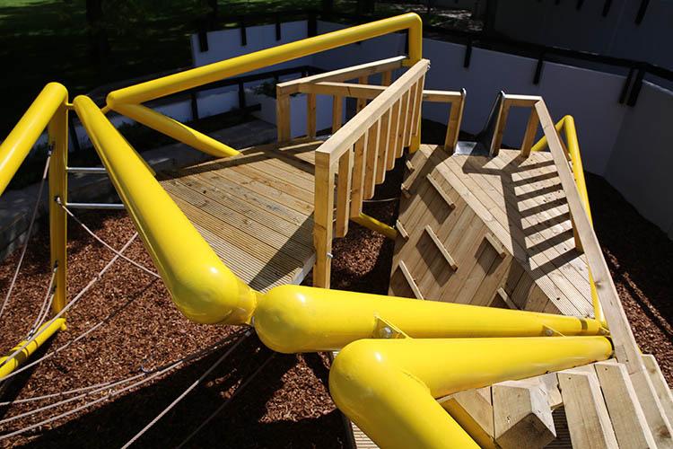 Bespoke playground climbing ropes