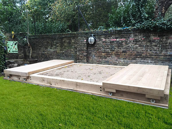 Large sandpit with lid photo