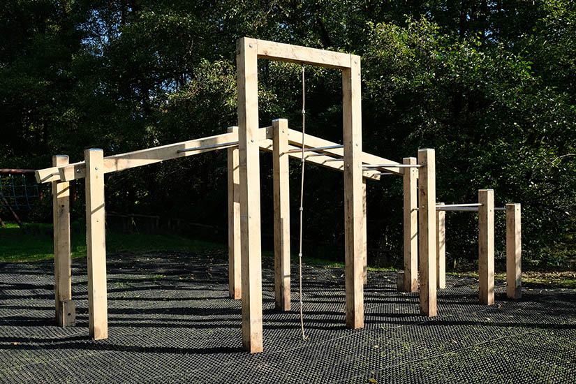 outdoor fitness rig