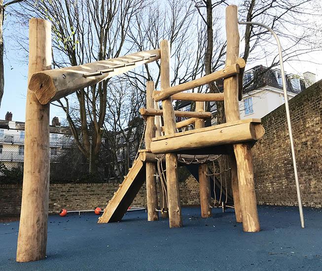 robinia climbing frame photo 1