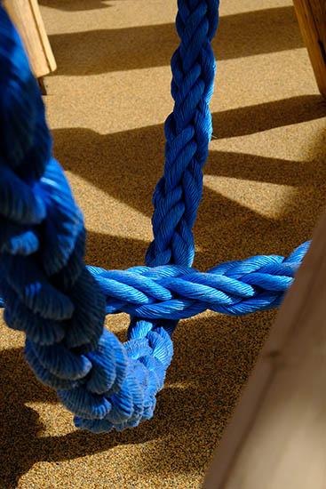 playground swinging ropes